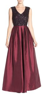 Aidan Mattox V-neck Full Length Sleeveless Dress