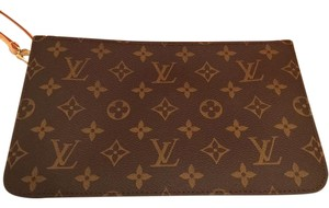 Louis Vuitton Brand New Monogram Canvas Wristlet Neverfull Pochette Brown Clutch