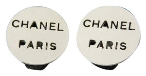 Chanel CC Cut Out Earrings 210869