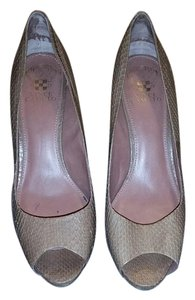 Vince Camuto Peep Toe Leather Luxury Nude Taupe Pumps