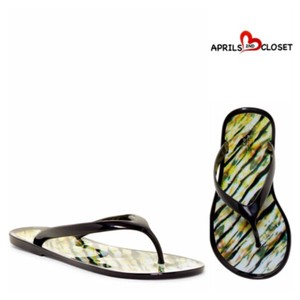 Nicole Miller Black, On Clouds Print Sandals