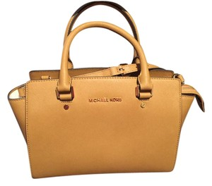 Michael Kors New With Tags Satchel in Peanut