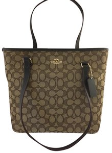 Coach F55364 Sig Print Tote in Khaki/Brown