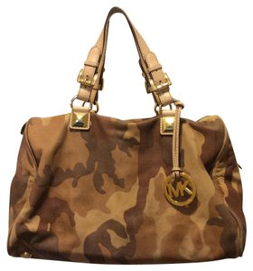 Michael Kors Satchel in Tan Camo