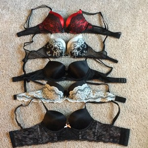 Victoria's Secret 32B 5 Push Up Bras
