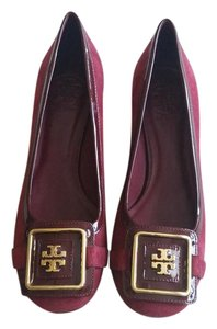 Tory Burch Cranberry Pumps