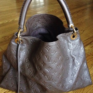 Louis Vuitton Tote in Terre/earth