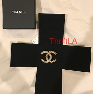 Chanel New in Box with Tag CHANEL Classic CC GOLD CRYSTAL Brooch Pin Italy
