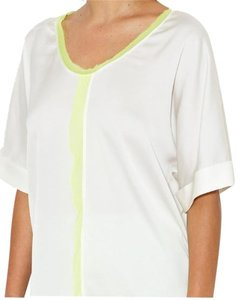 Elie Tahari Silk Short Sleeve V-neck Top White
