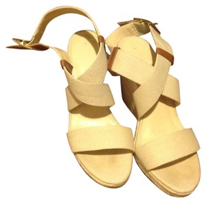 436915f98d Banana Republic In Color Like New. No Signs Of Wear Beige with brown leather  accent