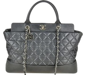 Chanel Black Classic Chain Shoulder Bag
