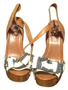 Jessica Simpson Terri Style Like New Off White and navy blue, stripe Sandals