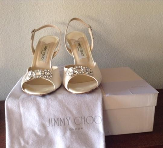 Jimmy Choo Ivory Silk Satin Formal Size US 8.5 Regular (M, B)