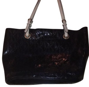 Michael Kors Tote in Black Patent