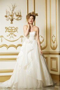 Watters Wtoo By Watters 11421 Strapless Rosette Bridal Gown Wedding Dress