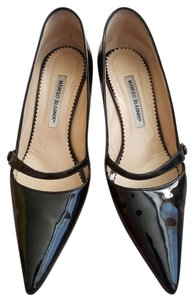 Manolo Blahnik Black Patent Pumps