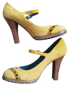 Marc Jacobs Jacob Mary Jane Suede Yellow Pumps