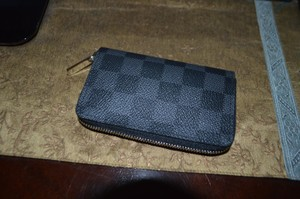 Louis Vuitton Zippy Compact Wallet