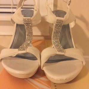 Michelangelo White Sandals Size US 9 Regular (M, B)