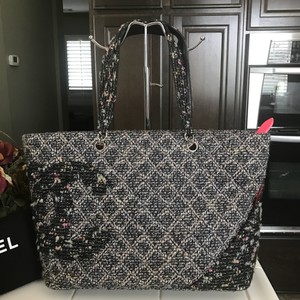 Chanel Tote in Multicolor