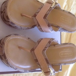 Coach Khaki/camel Wedges