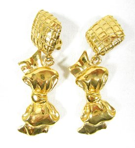 Chanel Vintage Gold Plated Signed Bow Motif Dangling Clip On Earrings, MINT