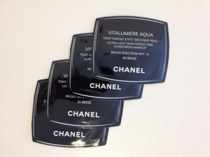 Chanel CHANEL Vitalumiere Aqua Skin Perfecting Makeup SPF15, 30 BEIGE Samples