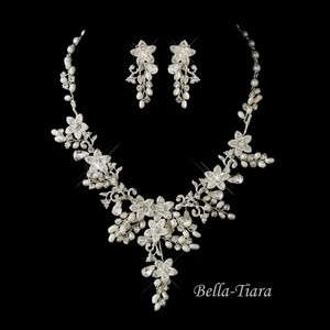 Bella Tiara Romantic Pearl Crystal Wedding Necklace Set