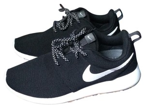 Nike Black & white Athletic