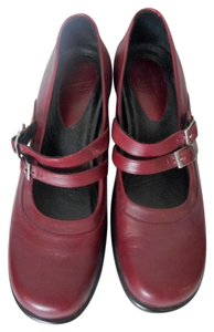 Dansko Size 40 Oxblood Mary Jane Red/Oxblood Flats