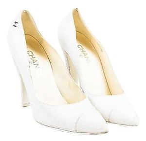 Chanel 14c Tan Cracked White Pumps