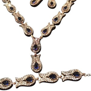 luxury pieces Simpleto buy i can bring you the best Quality at unbelievable Price from amazing. Selection of Precisionis sterling silver and Blue sapphire 4 pieces togther