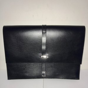 Gucci Authentic Gucci Black Calf Leather Buckle Enclosed Document Holder