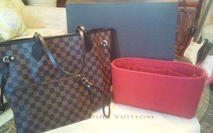 Louis Vuitton Tote in Damier/Red