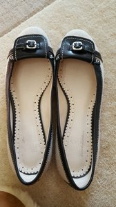 Brooks Brothers Black / Linen Flats