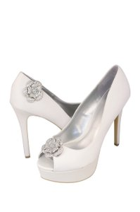 Pair Of Crystal Rhinestone Shoe Clip Ons - 1042