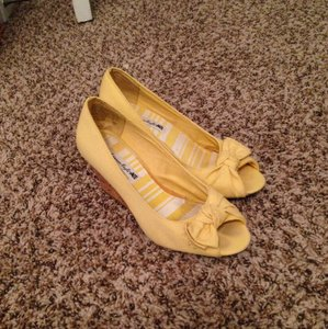 American Eagle Outfitters Yellow Wedges