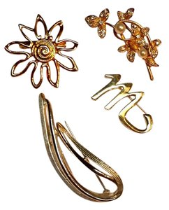 Sarah Coventry Vintage 4 pc. Brooch Set One Sarah Coventry Pin
