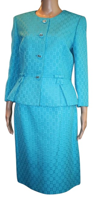 Item - Peacock Blue No Tags. Skirt Suit Size 8 (M)