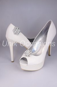 Pair Of Crystal Rhinestone Shoe Clip Ons Uo-buc-1043