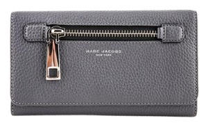Marc Jacobs * Marc Jacobs Gotham City Travel Wallet