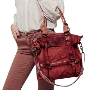 Bed|Stü Distressed Textured Bohemian Festival Tote in Washed Red
