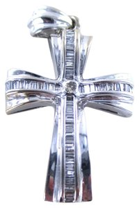 14KT WHITE GOLD PENDANT CROSS FINE JEWELRY 49 DIAMOND