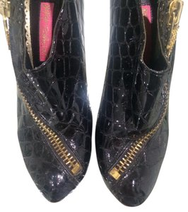 Betsey Johnson Ankle Patent Leather Black Boots