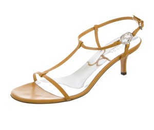 Gucci Leather T-strap Yellow, Brown Sandals