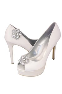 Silver Pair Of Crystal Rhinestone Shoe Clip Ons - 1054