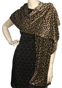 Beige & Brown Stretch Velvet Printed Shawl: Leopard