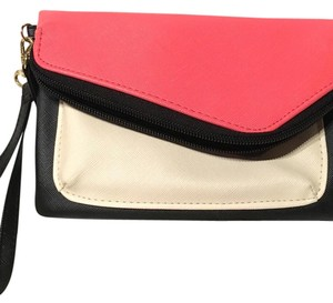 Apt. 9 Wristlet in Blk, Coral, Off-White