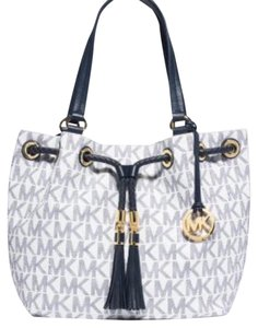 Michael Kors Tote in White, Blue