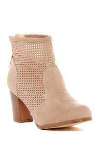 Chase & Chloe Taupe Boots